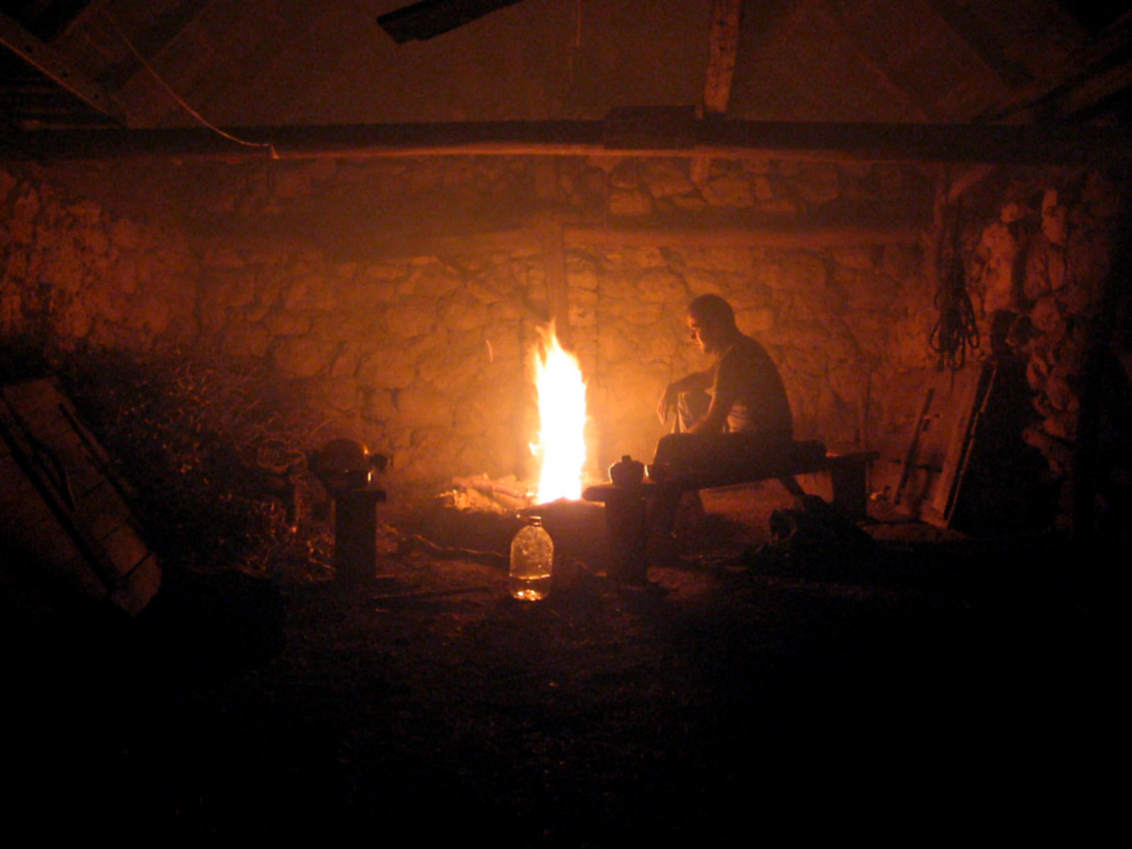 Image: slovenia/2006-Yossarian/006-Kal/Fire in the Cadrg hut